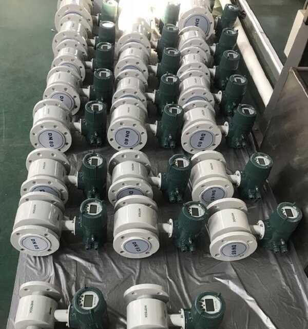 Đồng hồ nước điện tử Woteck Đài Loan DN25, DN32...