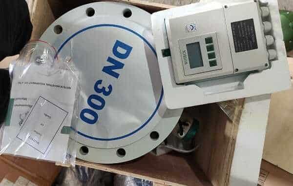 Đồng hồ đo lưu lượng nước điện tử Remote Woteck Đài Loan